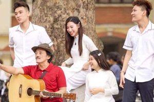 Nghệ sĩ Giang còi: 'Ở phim Việt Nam, tôi chưa thấy nụ hôn nào đẹp cả'