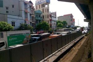 Đường Giải Phóng - Pháp Vân quây rào sắp xén dải phân cách