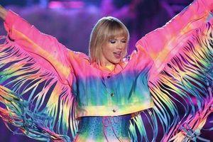 Có gì sáng nay mà fan US-UK xôn xao: Concert bí mật của Taylor Swift!