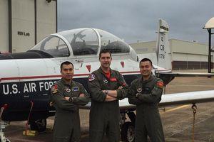 Phi công quân sự Việt Nam đầu tiên được Không quân Mỹ đào tạo