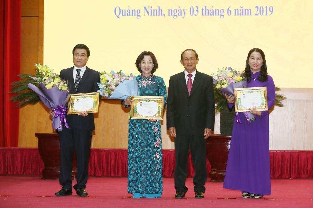 Trao huân chương của Chủ tịch nước Lào cho 3 cá nhân, 3 tập thể tỉnh Quảng Ninh
