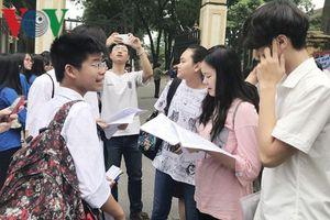 Nhiều thí sinh lúng túng với đề thi chuyên Lịch sử lớp 10