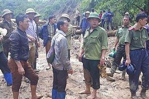 Huy động lực lượng tìm kiếm người phụ nữ mang bầu 6 tháng cùng con 1 tuổi bị lũ cuốn trôi ở Điện Biên