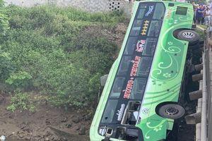 Vụ tai nạn giao thông khiến 2 người tử vong, nhiều người bị thương tại Thanh Hóa: Do lái xe buồn ngủ
