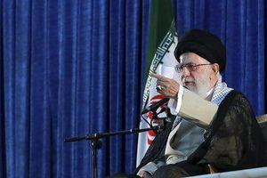 Iran thề sẽ kháng cự Mỹ đến cùng