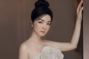 Hoa hậu Giáng My bị nhận xét như búp bê sống vì ảnh photoshop quá đà