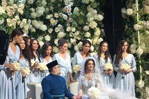 Cựu vương Malaysia có con trai đầu lòng với Hoa hậu Nga