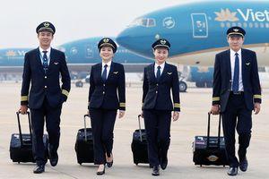 Bộ trưởng Bộ GTVT: 'Vietnam Airlines bị hãng khác lôi kéo nhân lực'