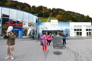 Tai nạn trên khu nghỉ dưỡng núi Alps, bảy người thương vong