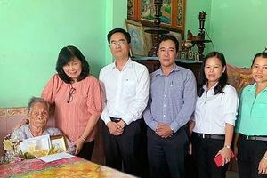 Lãnh đạo TPHCM thăm, chúc thọ người cao tuổi tiêu biểu