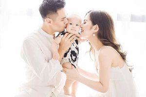 Showbiz 5/6: Động thái lạ của vợ chồng diễn viên Việt Anh dấy lên nghi án ly hôn