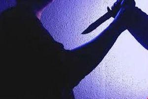 Mâu thuẫn trong việc gửi xe, rút dao đâm chết bảo vệ chợ