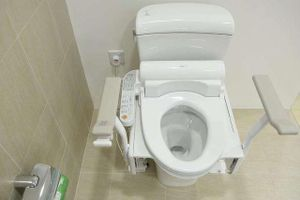 Toilet thông minh ở Nhật khiến du khách chỉ muốn ngồi mãi