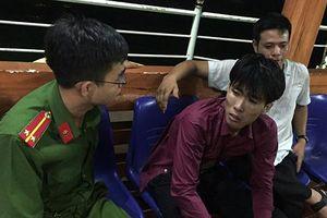 Sau 'đập đá', thanh niên bỏ lại xe máy nhảy xuống vực sâu ở Đà Nẵng