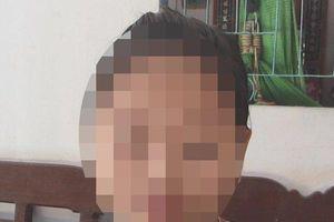 Lời kể của người mẹ trong vụ người đàn ông có hành động 'lạ' với nữ sinh lớp 4 ở sân trường