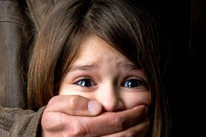 Tạm giữ kẻ bắt cóc con gái nhân tình để đe dọa, ép phải về chung sống