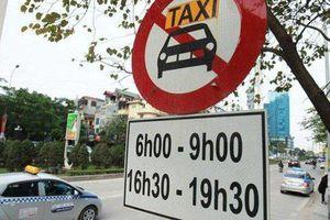 Hà Nội cấm taxi hoạt động giờ cao điểm tại 11 tuyến phố