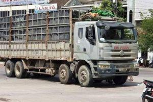Xe tải chạy vào đường cấm gây tai nạn, người phụ nữ tử vong thương tâm