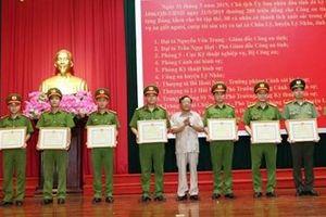 Hà Nam trao thưởng cho các tập thể, cá nhân có thành tích xuất sắc
