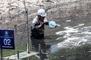 Ba tuần làm sạch bằng công nghệ Nhật Bản: Nước sông Tô Lịch giảm amoniac, giảm mùi đáng kể