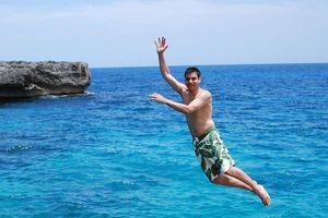Nhảy từ vách đá và các hoạt động khám phá biển thiên đường Curacao