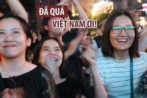 Fan nữ 'sướng rơn' với bàn thắng ở phút bù giờ của Việt Nam