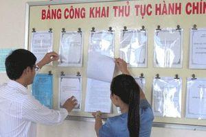 Hà Nội: Niêm yết bảng phí, lệ phí hộ tịch, nuôi con nuôi, chứng thực