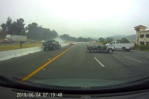 Xe bán tải 'phóng như bay' gây tai nạn liên hoàn trên cao tốc