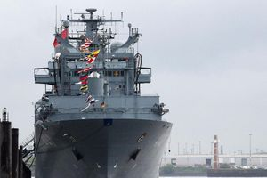 Đức có thể phá bỏ truyền thống, điều tàu chiến đến eo biển Đài Loan