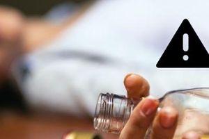 Một giáo viên tử vong do ngộ độc rượu khi uống cùng với bạn