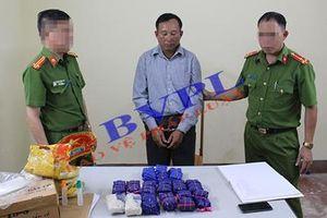 Bắt đối tượng vận chuyển gần 30.000 viên ma túy tổng hợp