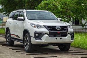 Chuyển từ nhập khẩu sang lắp ráp, Toyota Fortuner có giá từ 1,03 tỷ đồng