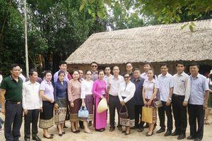 Trao đổi kinh nghiệm công tác thông tin đối ngoại với nước bạn Lào