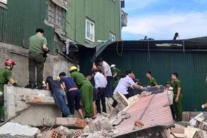 Nam công nhân bị khối bê tông đè trúng người khi phá dỡ nhà cao tầng