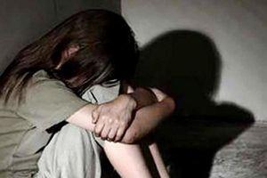 Truy tố thanh niên 'yêu' bạn gái nhí đến có thai