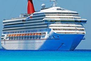Một loạt công ty tàu biển du lịch cỡ lớn hủy tuyến tới Cuba