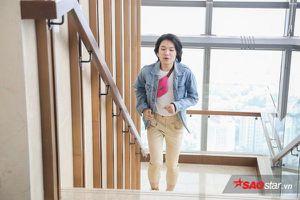 Quang Trung điêu đứng với bản cover 'Em gái mưa' vượt chướng ngại vật và… chạy đành đạch khắp bậc thang