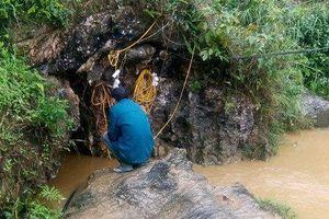 Lào Cai: Hàng trăm người giải cứu người đàn ông mắc kẹt 1 tuần trong hang sâu