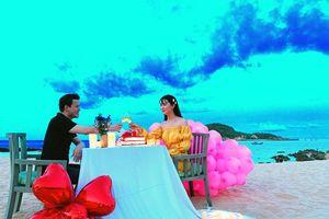 Kỷ niệm 2 năm ngày cưới, chồng hoa hậu Sang Lê lãng mạn đến không ngờ