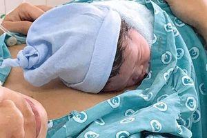 TP HCM: Sản phụ đẻ rơi con trên đường tới bệnh viện