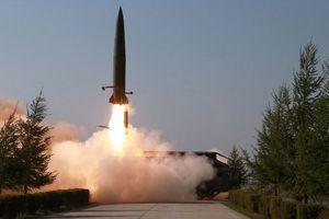 Trung Quốc lần đầu phóng thử tên lửa Trường Chinh từ tàu biển