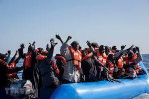 Libya và Malta giải cứu hàng trăm người di cư