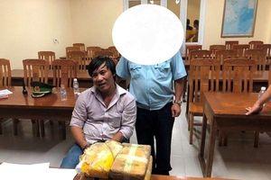 Phát hiện 40.000 viên ma túy tổng hợp mang từ Lào về giấu trong 2 bình gỗ
