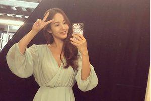'Đụng hàng' cũng không làm Suzy và Park Min Young kém xinh