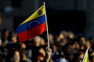 Nga có thể sẽ cử thêm chuyên gia quân sự tới Venezuela
