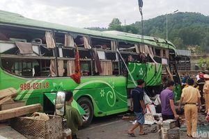 Tạm giam tài xế xe khách lao xuống sông làm 2 người chết, 8 người bị thương