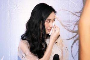 Jun Vũ được đi từ ngạc nhiên này sang ngạc nhiên khác khi ra mắt photobook tại Hà Nội