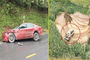 Ô tô 7 chỗ lao xuống vực sâu 100m sau va chạm, 3 người bị thương ở Lào Cai
