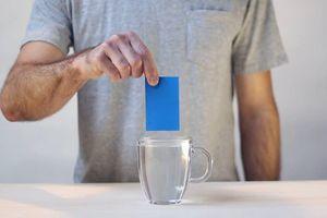 Miếng nhựa cứng có thể sửa mọi thứ trong nhà
