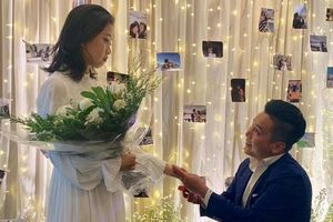 MC Liêu Hà Trinh được bạn trai kém tuổi cầu hôn